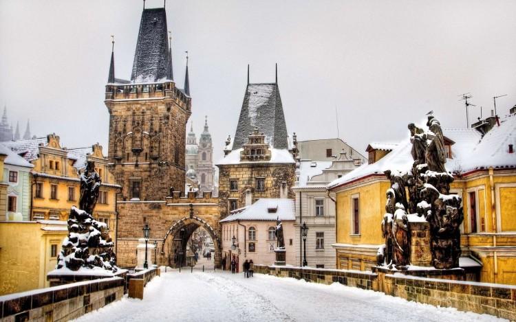 prague_czech_republic_winter_buildings_people_hd-wallpaper-56995